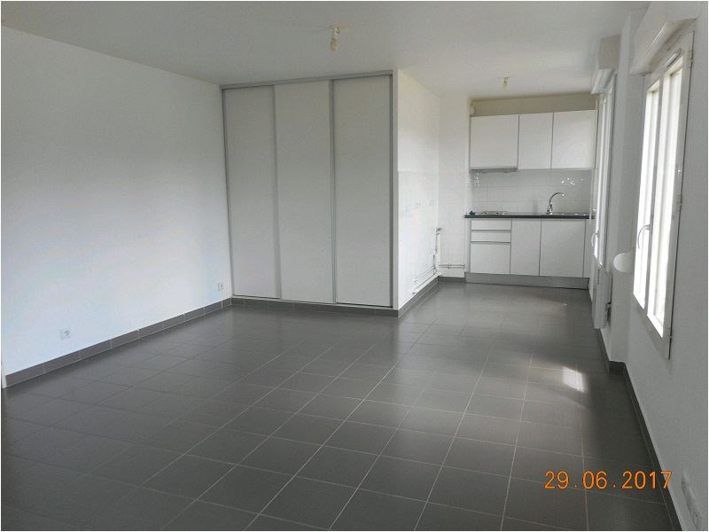Rental apartment Viry chatillon 644€ CC - Picture 1