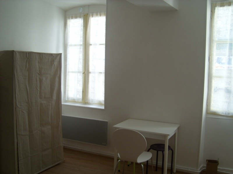 Rental apartment Angouleme 335€ CC - Picture 2