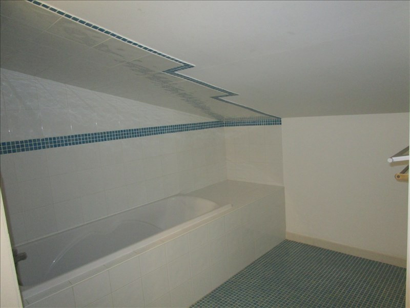 Location maison / villa Cavanac 850€ CC - Photo 5