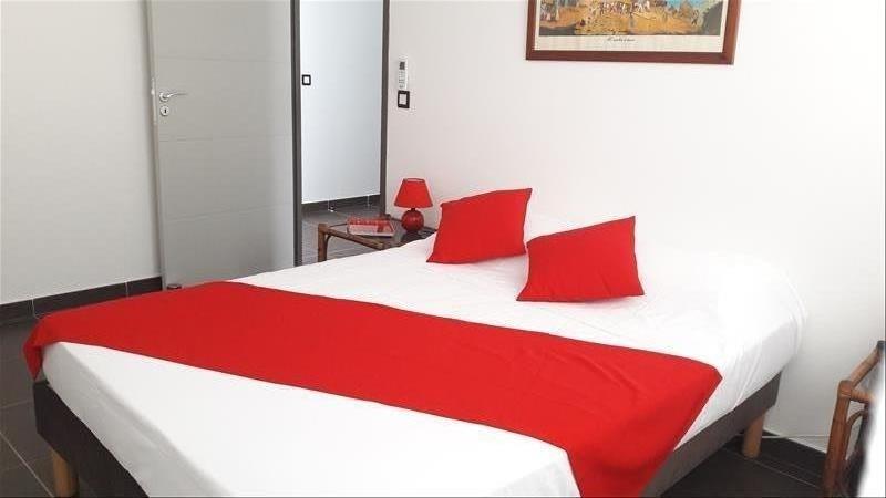 Rental apartment Moule 750€ CC - Picture 1