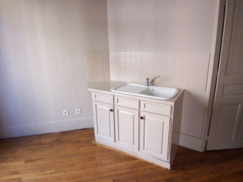 Rental apartment Troyes 465€ CC - Picture 2