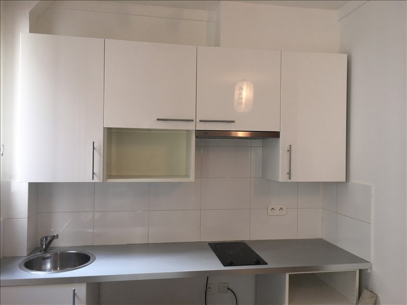 Location appartement Paris 17ème 915€ CC - Photo 5