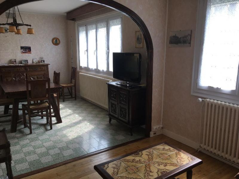 Sale house / villa Laval 107400€ - Picture 2