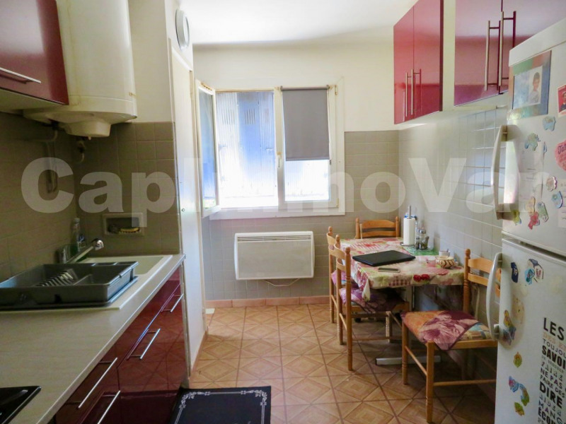 Rental apartment Le beausset 659€ CC - Picture 2