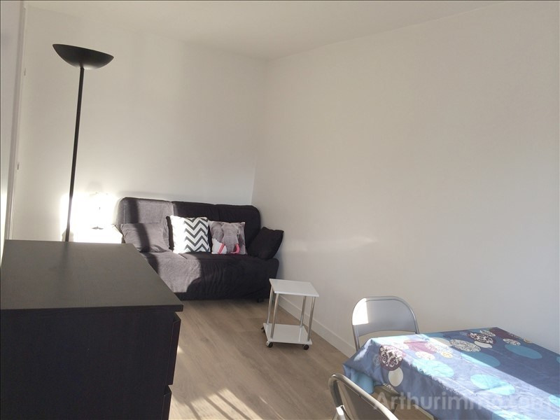Location appartement Asnieres sur seine 755€ CC - Photo 1