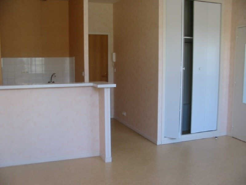 Location appartement Chatellerault 339€ CC - Photo 2