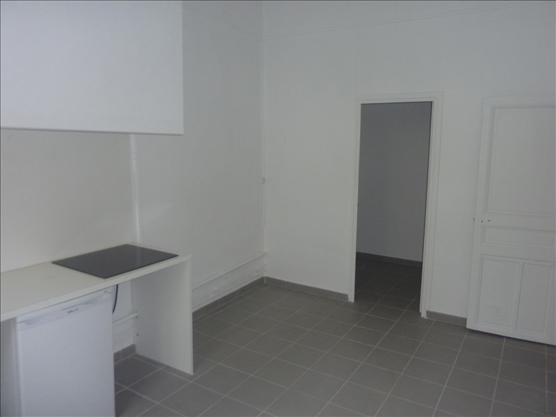 Rental apartment Marseille 1er 445€ CC - Picture 3