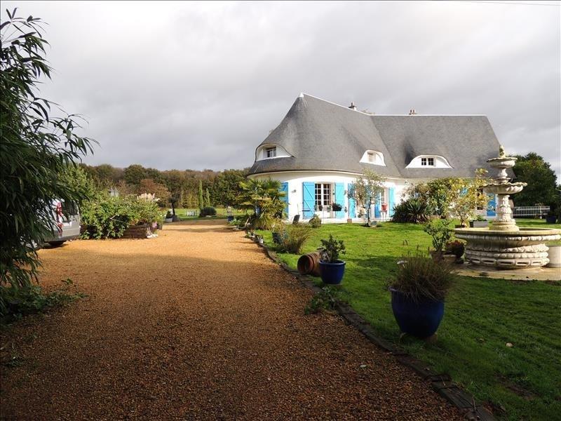 Deluxe sale house / villa Amblainville 624000€ - Picture 1