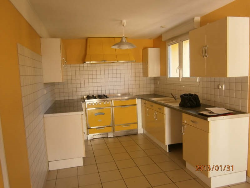 Location maison / villa St romain la virvee 681€ CC - Photo 4
