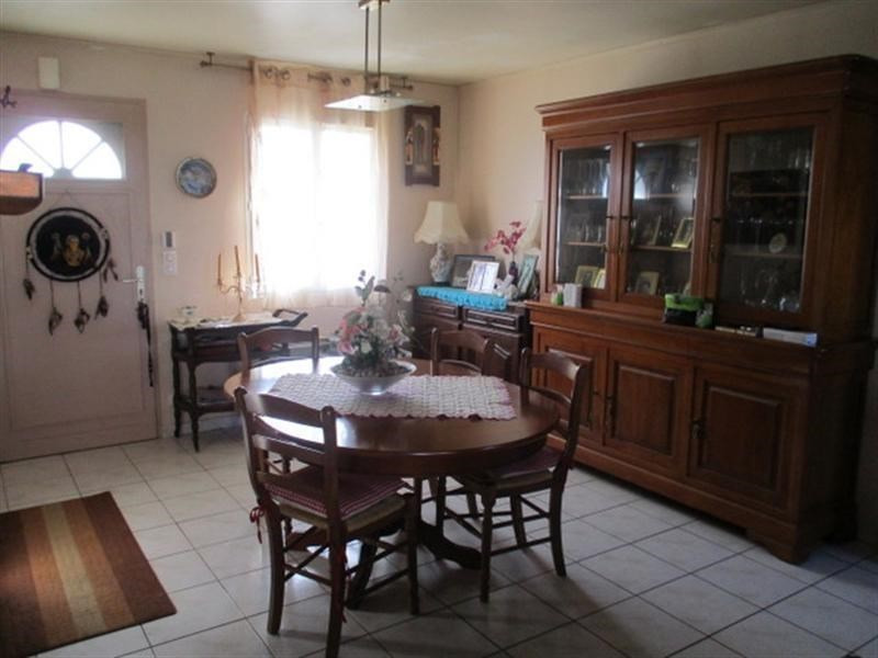 Sale house / villa St jean d angely 157 900€ - Picture 4