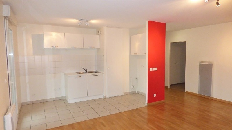 Location appartement Ville la grand 1 115€ CC - Photo 2