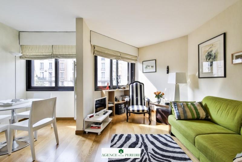 Sale apartment Paris 17ème 322500€ - Picture 2