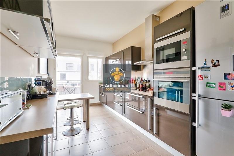 Sale apartment Issy les moulineaux 840000€ - Picture 2