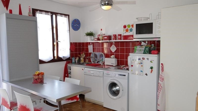 Location vacances appartement Cavalaire 420€ - Photo 7