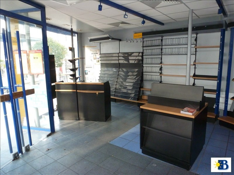 Location local commercial Chatellerault 950€ HT/HC - Photo 2