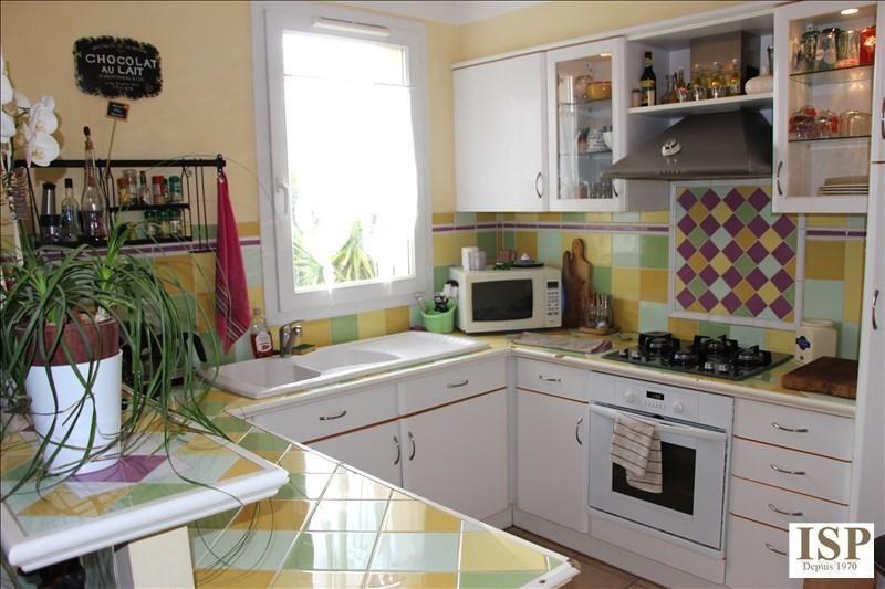 Sale house / villa Velaux 281000€ - Picture 3