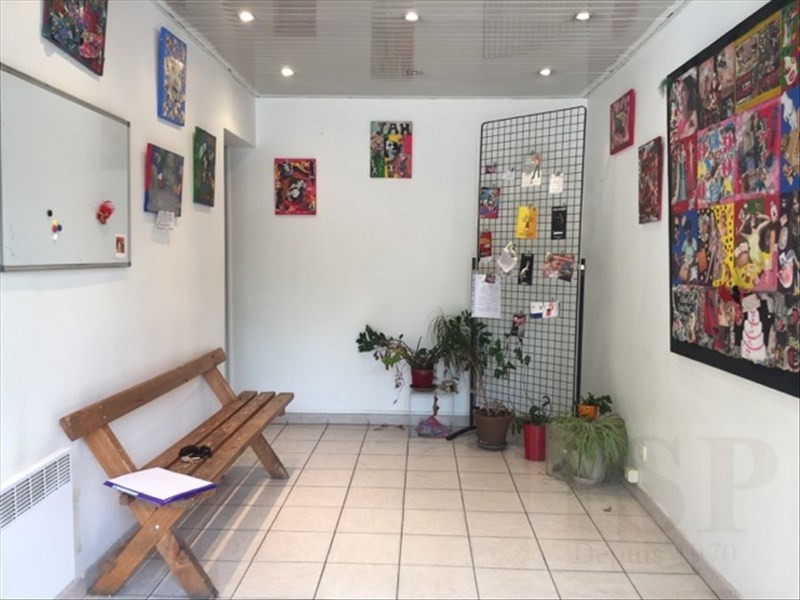 Location local commercial Aix en provence 1092€ HT/HC - Photo 1