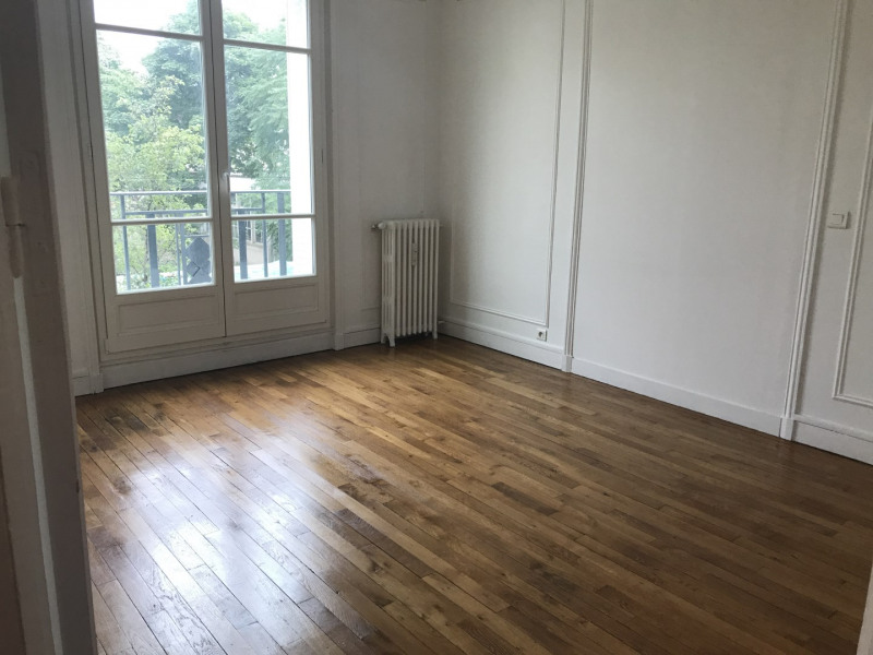 Rental apartment Asnières-sur-seine 1042€ CC - Picture 1