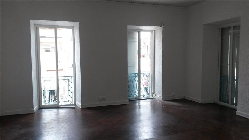 Rental empty room/storage Basse terre 2000€ +CH/ HT - Picture 4