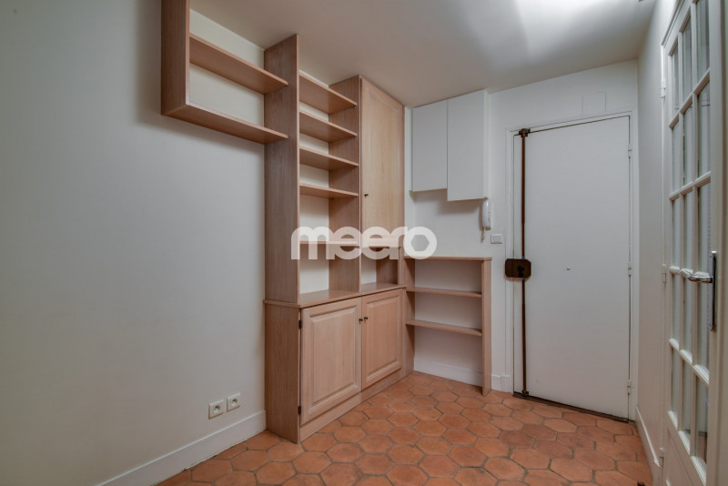 Rental apartment Paris 1er 1 895€ CC - Picture 4