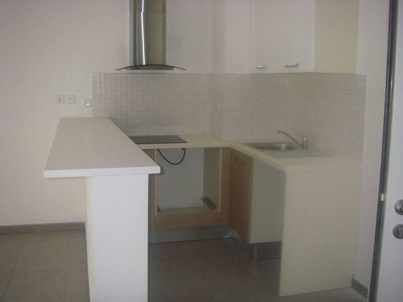 Location appartement St denis 869€ CC - Photo 2