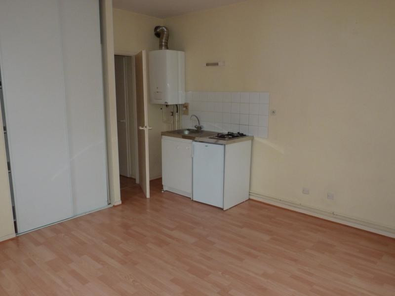 Location appartement La roche sur yon 410€ CC - Photo 1