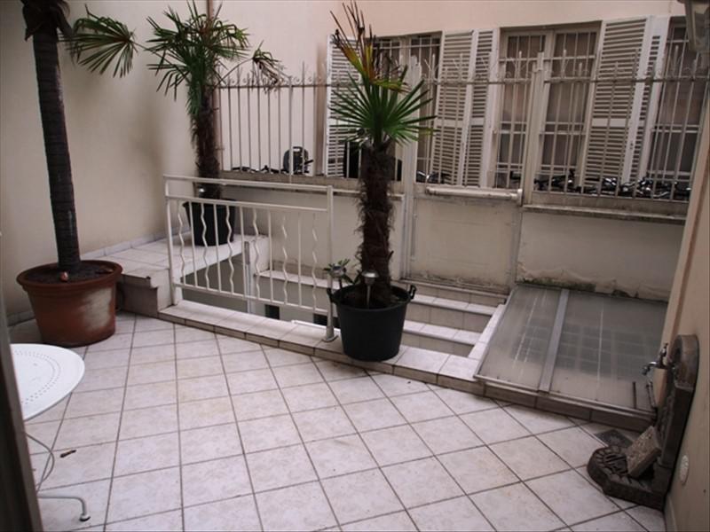 Deluxe sale apartment Paris 10ème 1850000€ - Picture 3