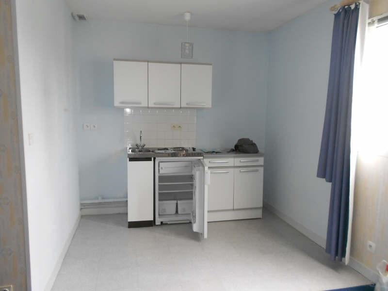 Location appartement Niort 335€ CC - Photo 3