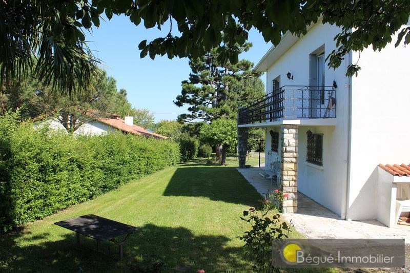 Sale house / villa L'isle jourdain 390 000€ - Picture 3