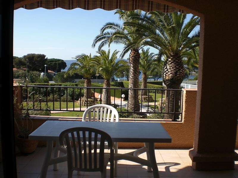 Vacation rental apartment Les issambres 1 120€ - Picture 3