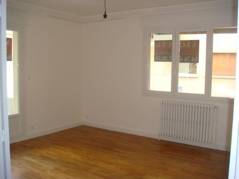 Location appartement Grenoble 985€ CC - Photo 2