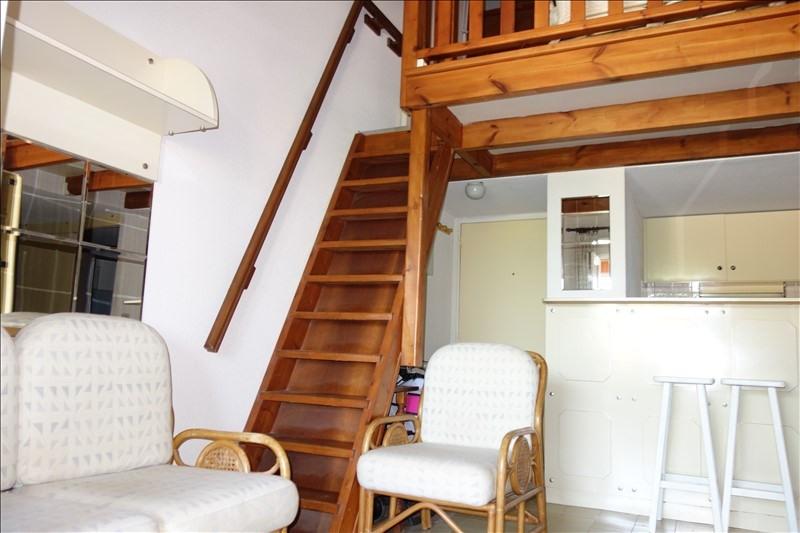 Sale apartment La londe les maures 210000€ - Picture 2