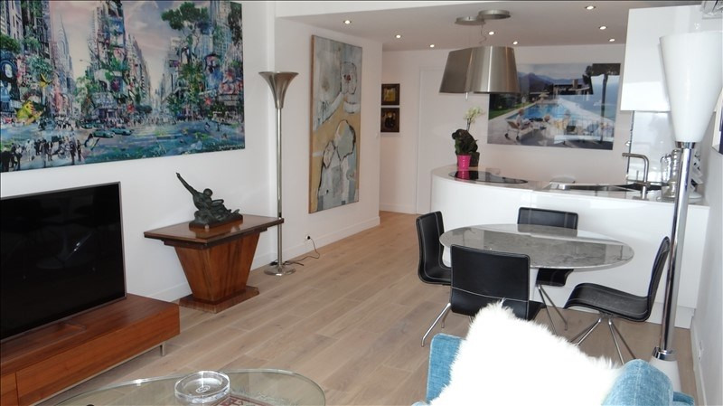 Deluxe sale apartment Cavalaire 595000€ - Picture 3