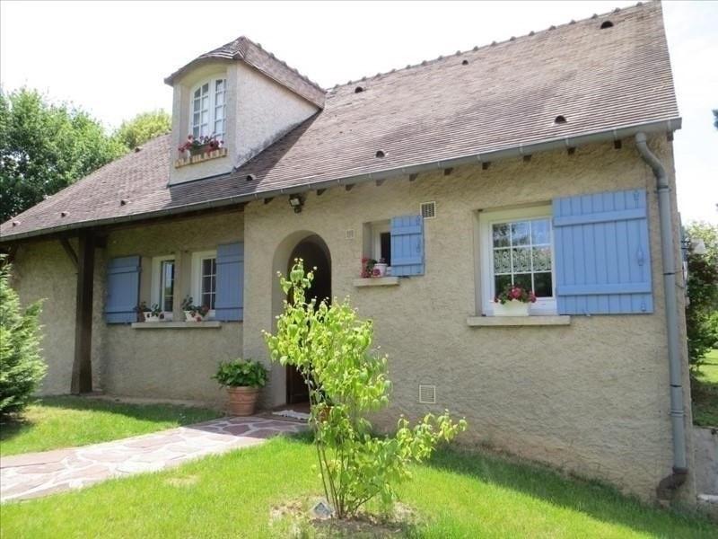 Sale house / villa Montfort l amaury 435000€ - Picture 1