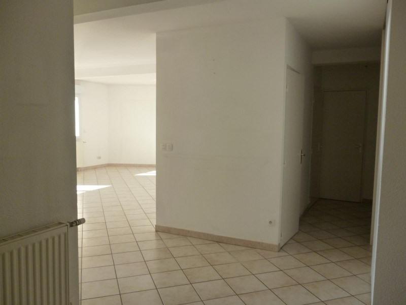 Rental apartment Roanne 839€ CC - Picture 2