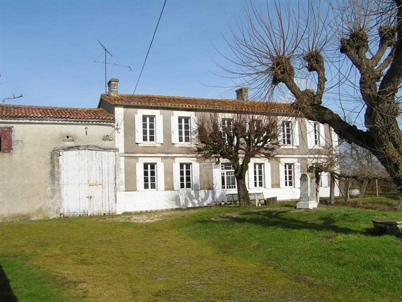 Sale house / villa Montguyon 265000€ - Picture 1