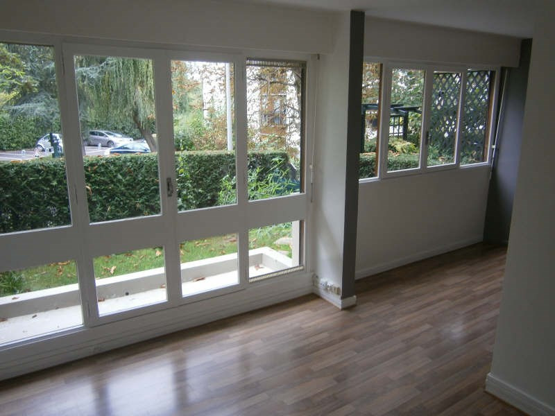 Location appartement Le chesnay 653€ CC - Photo 1