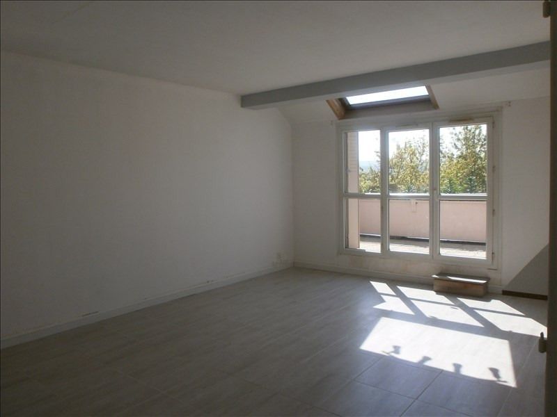 Location appartement Cergy 890€ CC - Photo 2