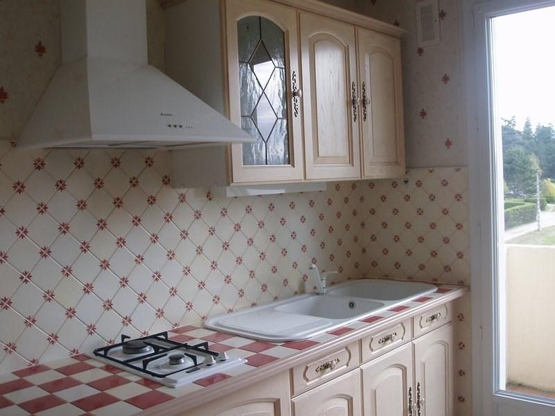 Rental apartment St uze 475€ CC - Picture 2