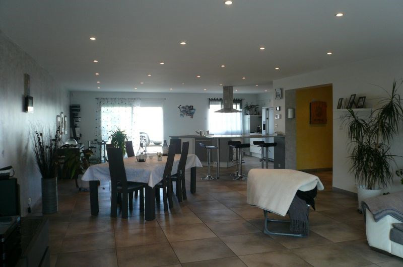 Sale empty room/storage Penchard 750 000€ - Picture 1