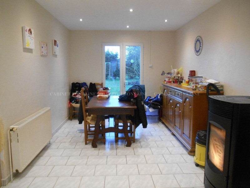Vente maison / villa Crevecoeur le grand 157 000€ - Photo 5