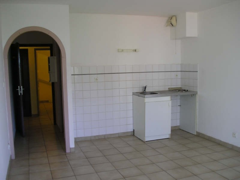 Location appartement La roche sur yon 325€ CC - Photo 2