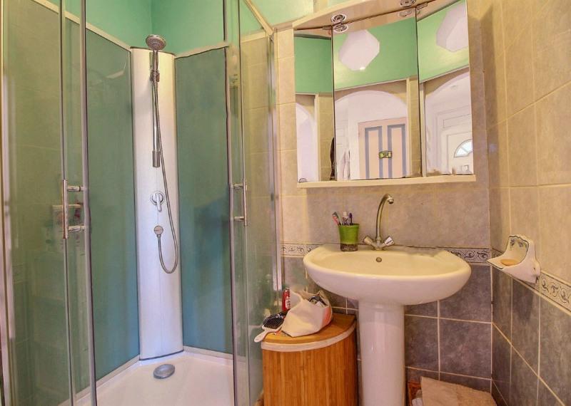 Location maison / villa Nimes 530€ CC - Photo 4