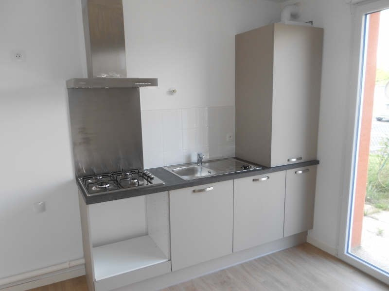 Location appartement Niort 463€ CC - Photo 3