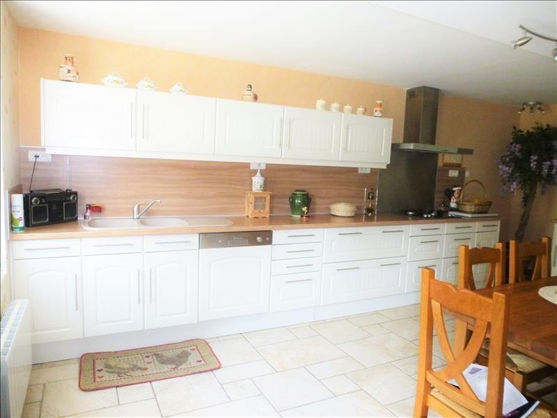 Sale house / villa St aignan le jaillard 200000€ - Picture 4