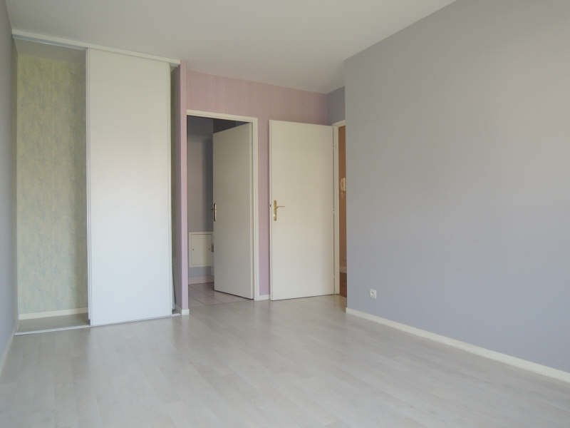 Location appartement Poissy 863€ CC - Photo 4