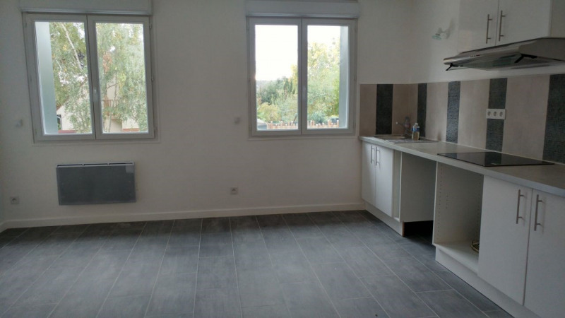 Rental apartment Montlhéry 700€ CC - Picture 1