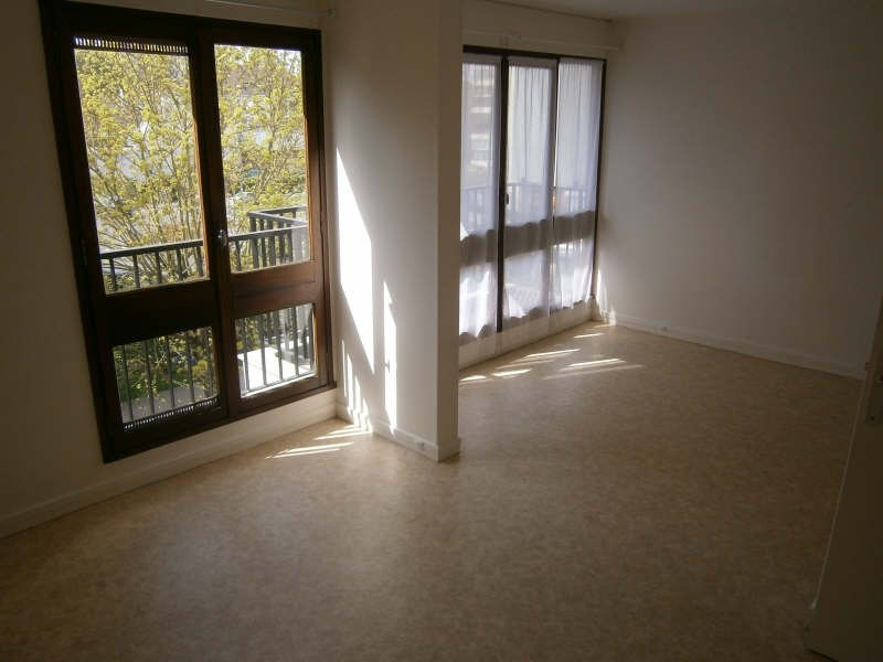 Location appartement Le chesnay 601€ CC - Photo 1
