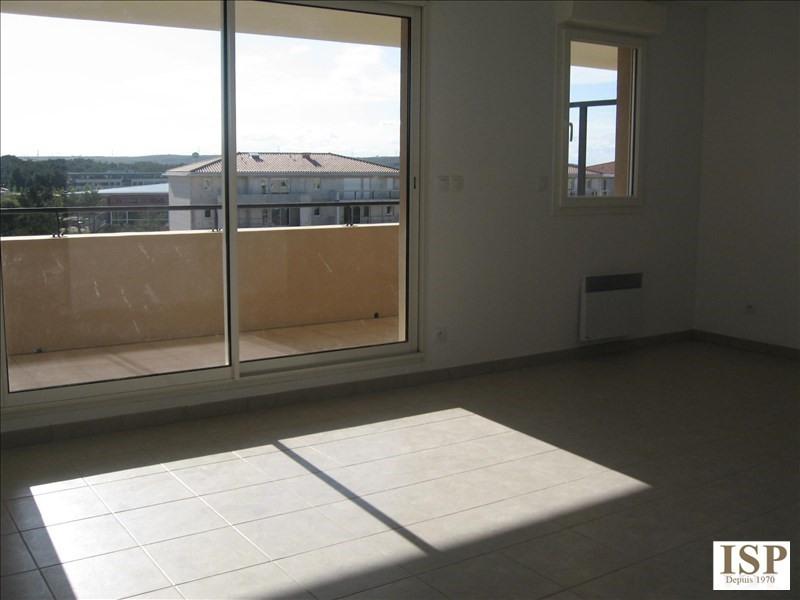 Location appartement Les milles 1139€ CC - Photo 9