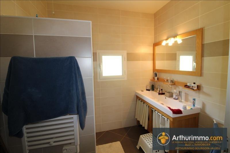 Sale house / villa Bourgoin jallieu 259000€ - Picture 5
